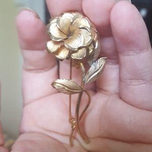 VINTAGE 12k gold filled flower brooch